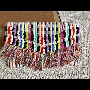 Stella & Dot adorable fabric clutch! Exc + cond.